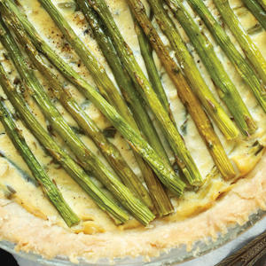 Rustic Garlic and Asparagus Tofu Quiche Is a Slice of Sunshine
